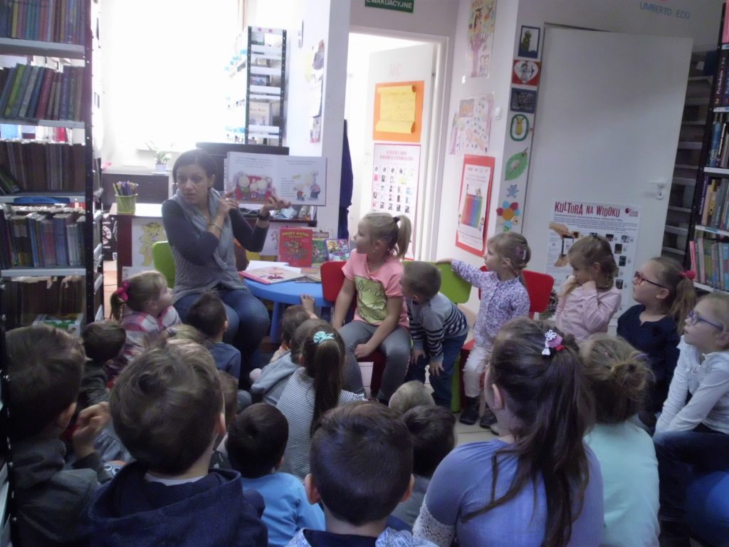 dwa spotkania z książkami w ramach DKK dla dzieci z Przedszkola Samorządowego w Racławicach