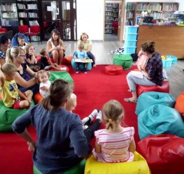 Maluch w bibliotece - Wizyta w przedszkolu -31.07.2019